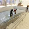 プール換水作業-サムネイル
