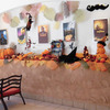ハロウィンの装飾で、館内は秋の装いに-サムネイル